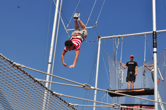 Armand_doing_Trapeze.jpg