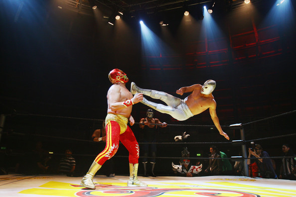 MexicanWrestlersLuchaLibrePrepareLondon UKSORDOxB3l